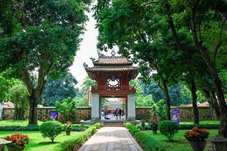 ハノイでの文廟國子監、ベトナムの最初大学